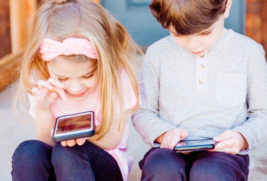 TikTok, Snapchat : ces réseaux sociaux qui ont la cote auprès de 10-15 ans.
